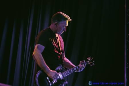 The Chameleons_live25